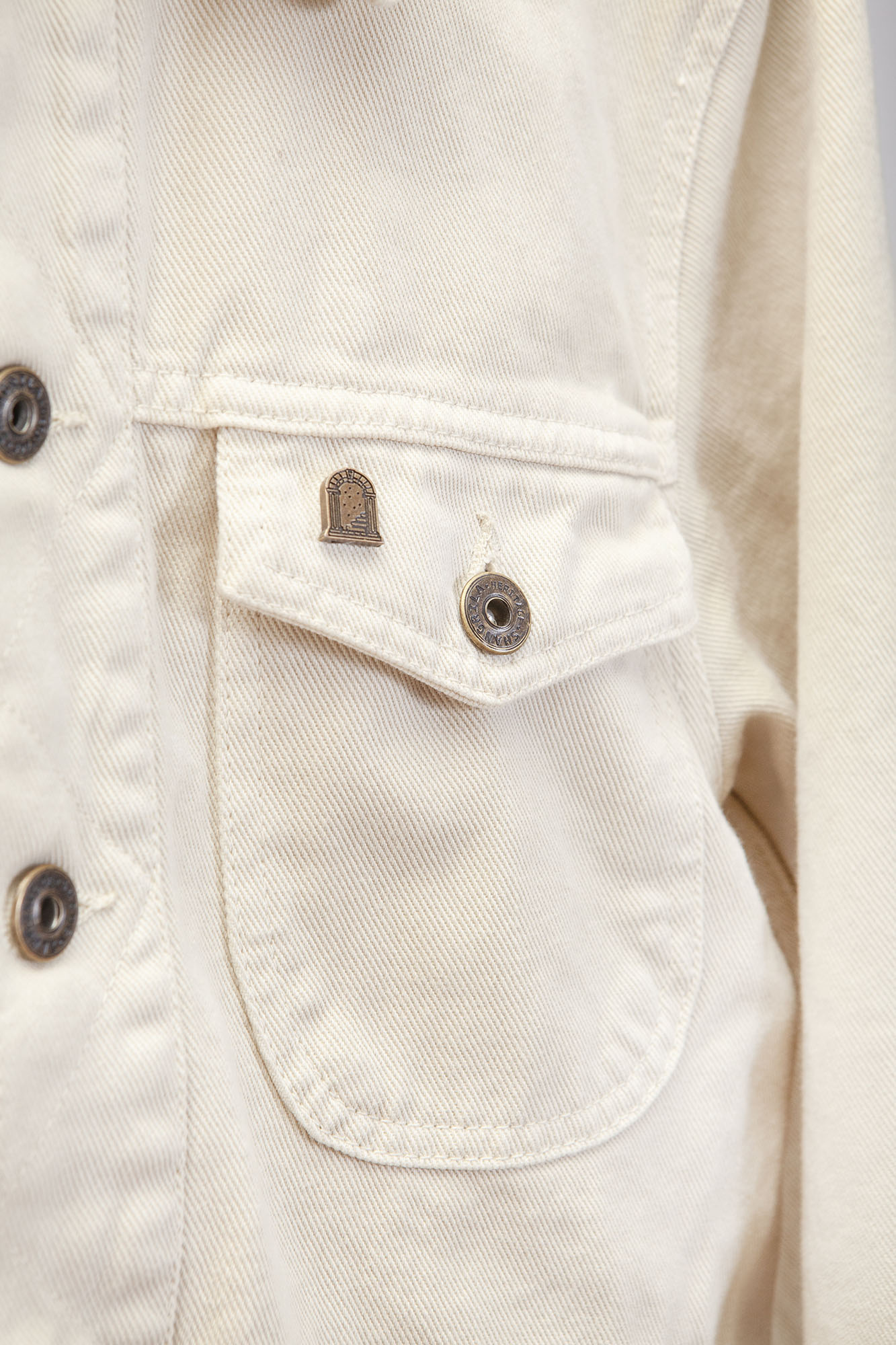 shangri-la-heritage-single-rider-ivory-canvas-jacket-still-life-detail
