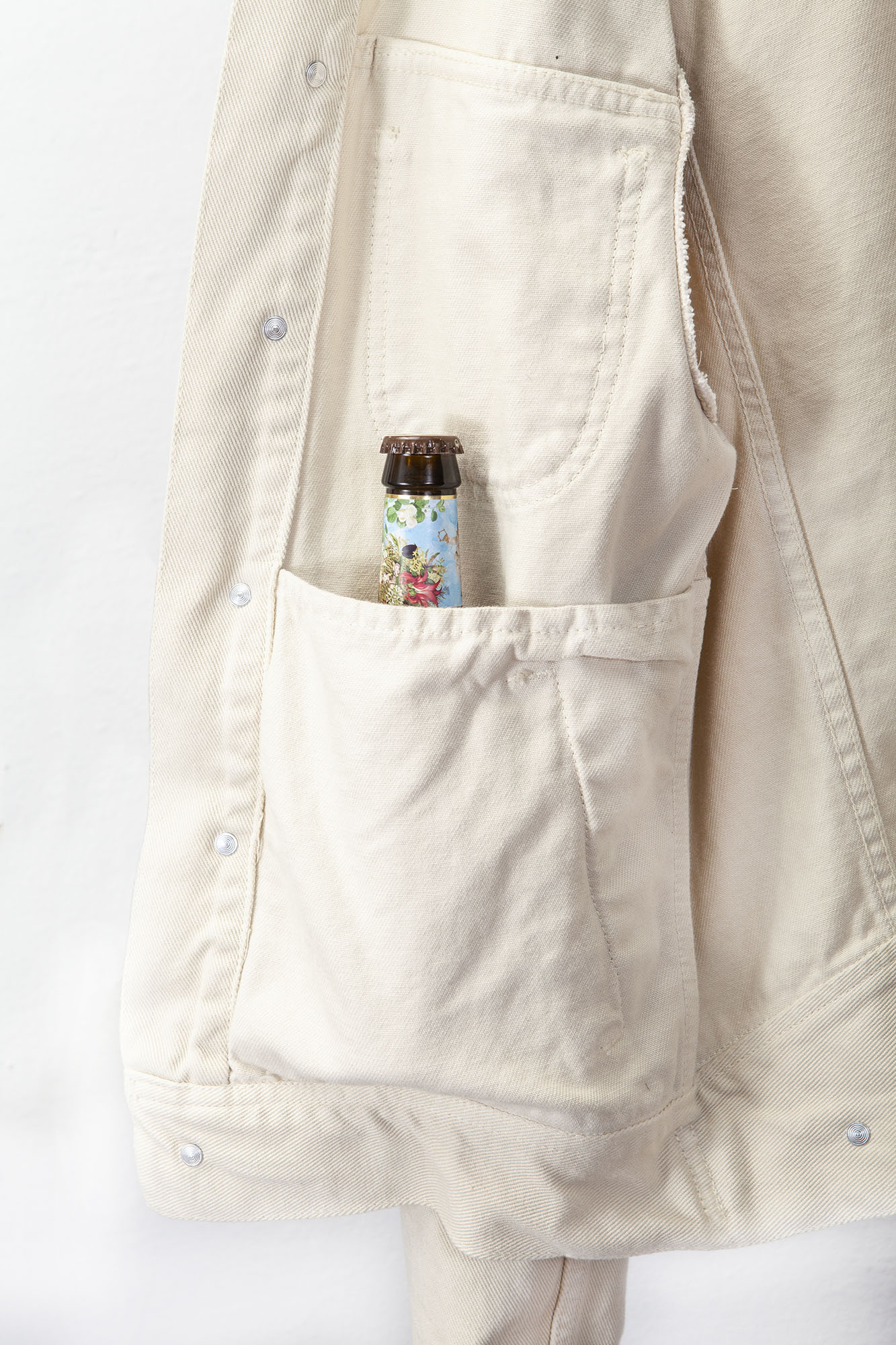 shangri-la-heritage-single-rider-ivory-canvas-jacket-still-life-inner-pocket