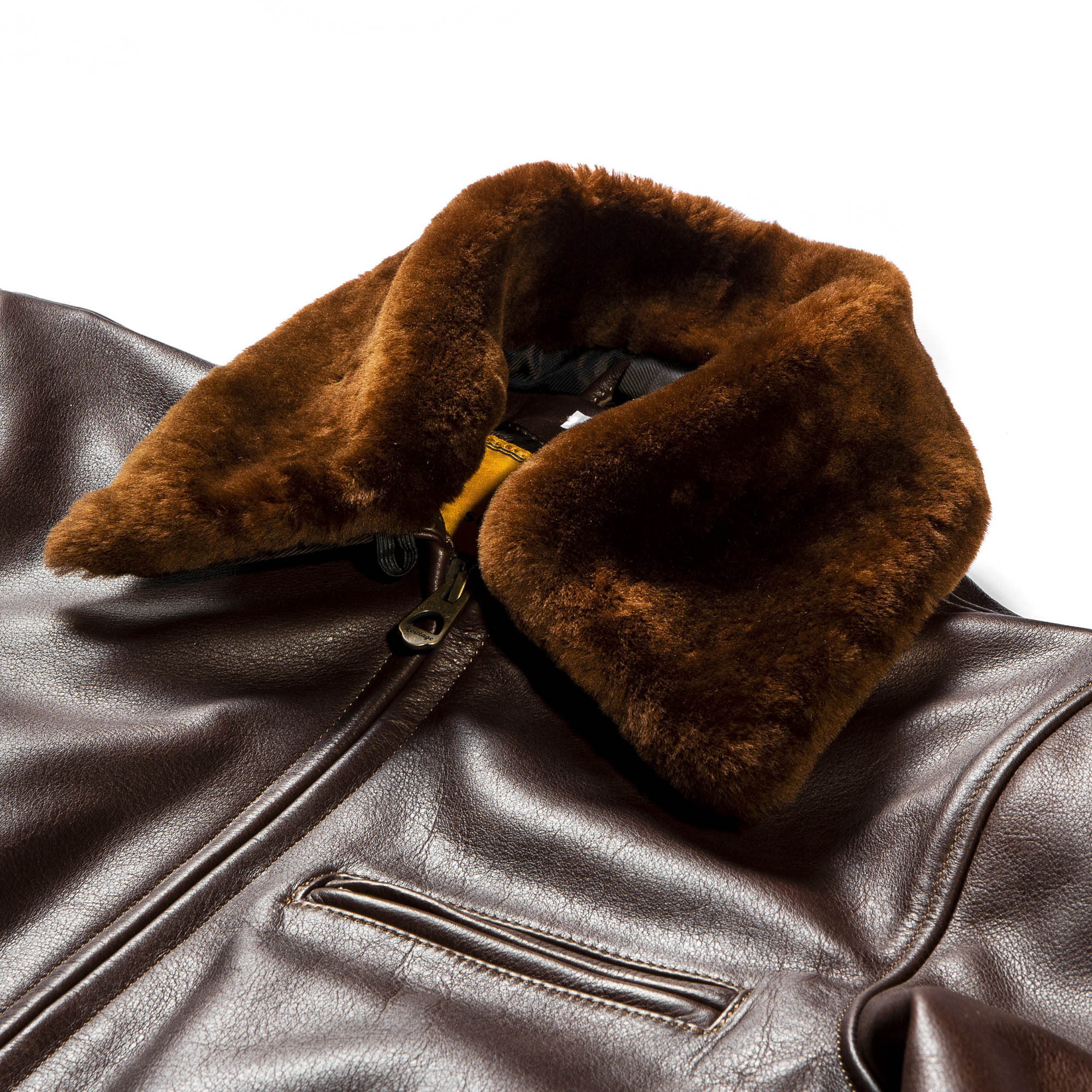 shangri-la-heritage-varenne-brown-steerhide-shearling-jacket-still-life-collar