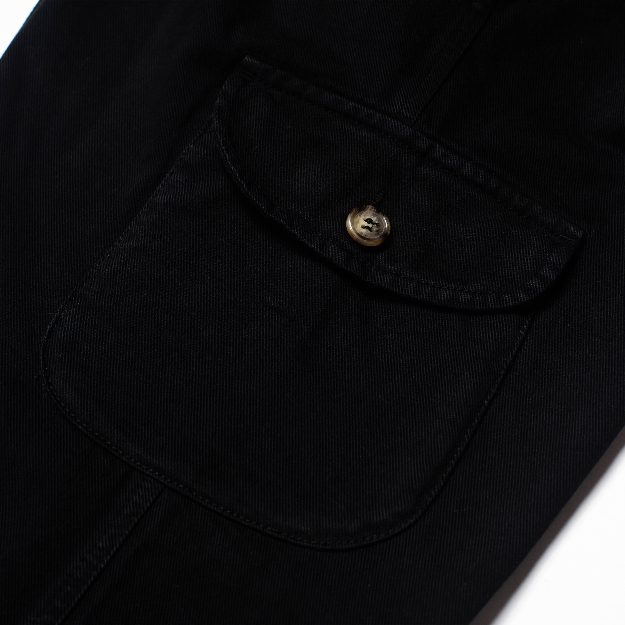 shangri-la-heritage-explorator-black-cotton-twill-pants-still-life-cargo-pocket