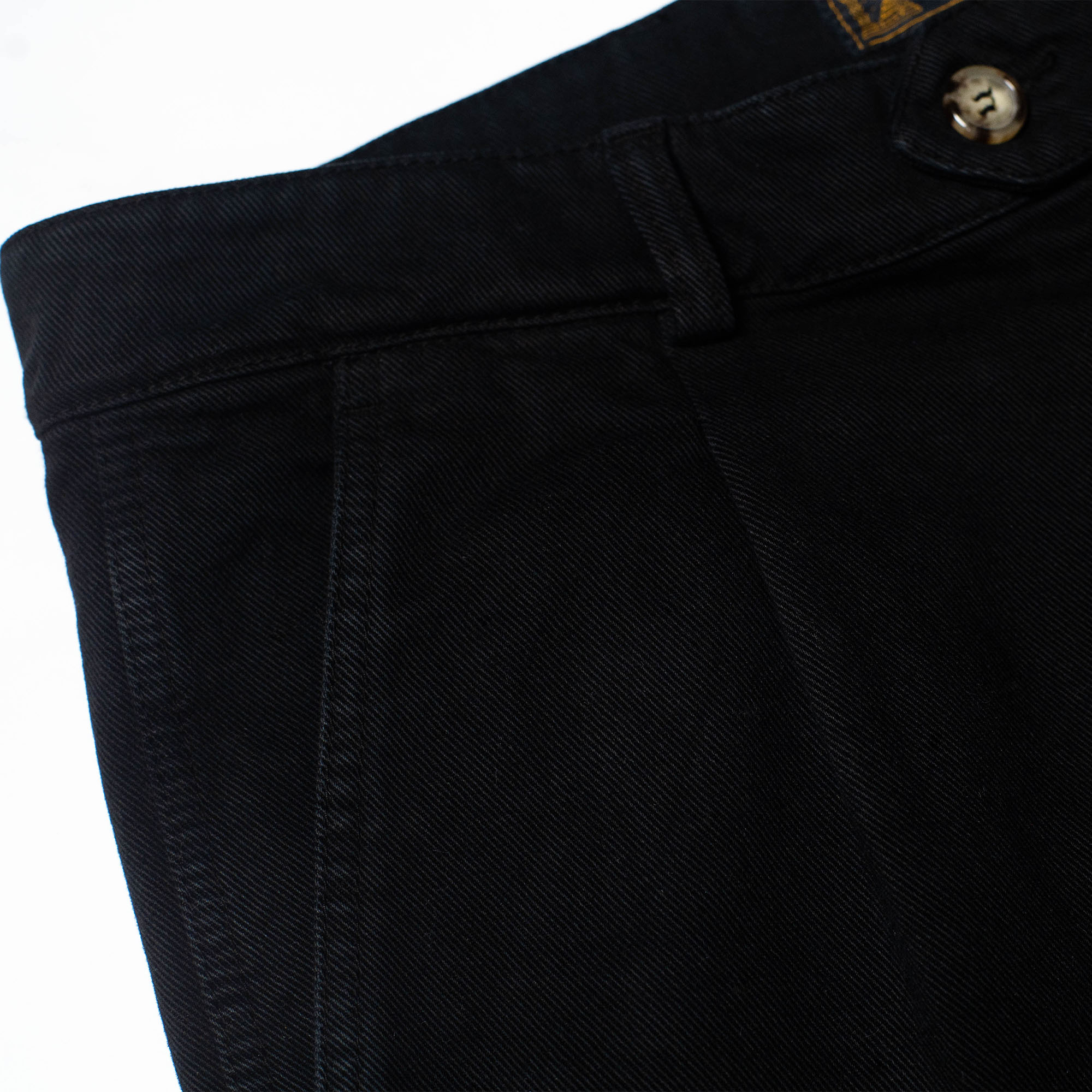 shangri-la-heritage-explorator-black-cotton-twill-pants-still-life-front-pocket