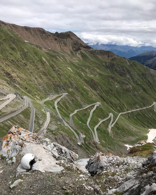Shangri-La-Heritage-Two-Day-Trip-in-The-North-of-Italy Helmet Stelvio Pass