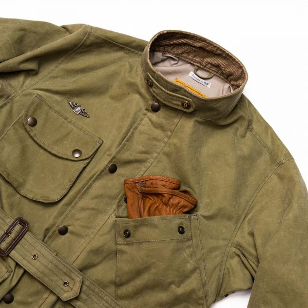 shangri-la-heritage-explorator-waxed-canvas-jacket-still-life-front-top-closed