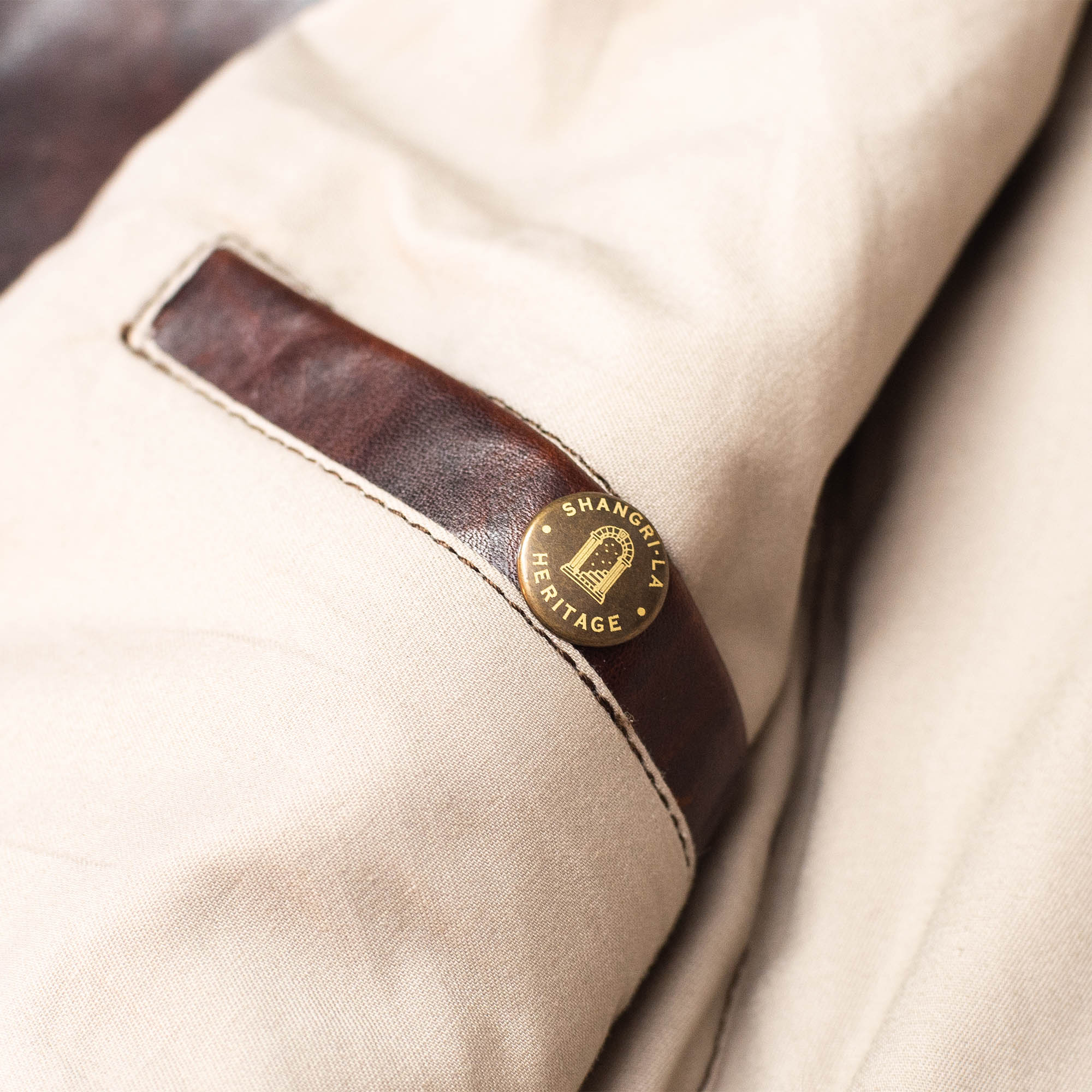 shangri-la-heritage-varenne-whiskey-horsehide-leather-jacket-still-life-inner-pocket